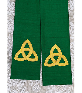 The Mystery of the Trinity: Green SILK Clergy Stole with Gold Celtic Trinity Knot Design