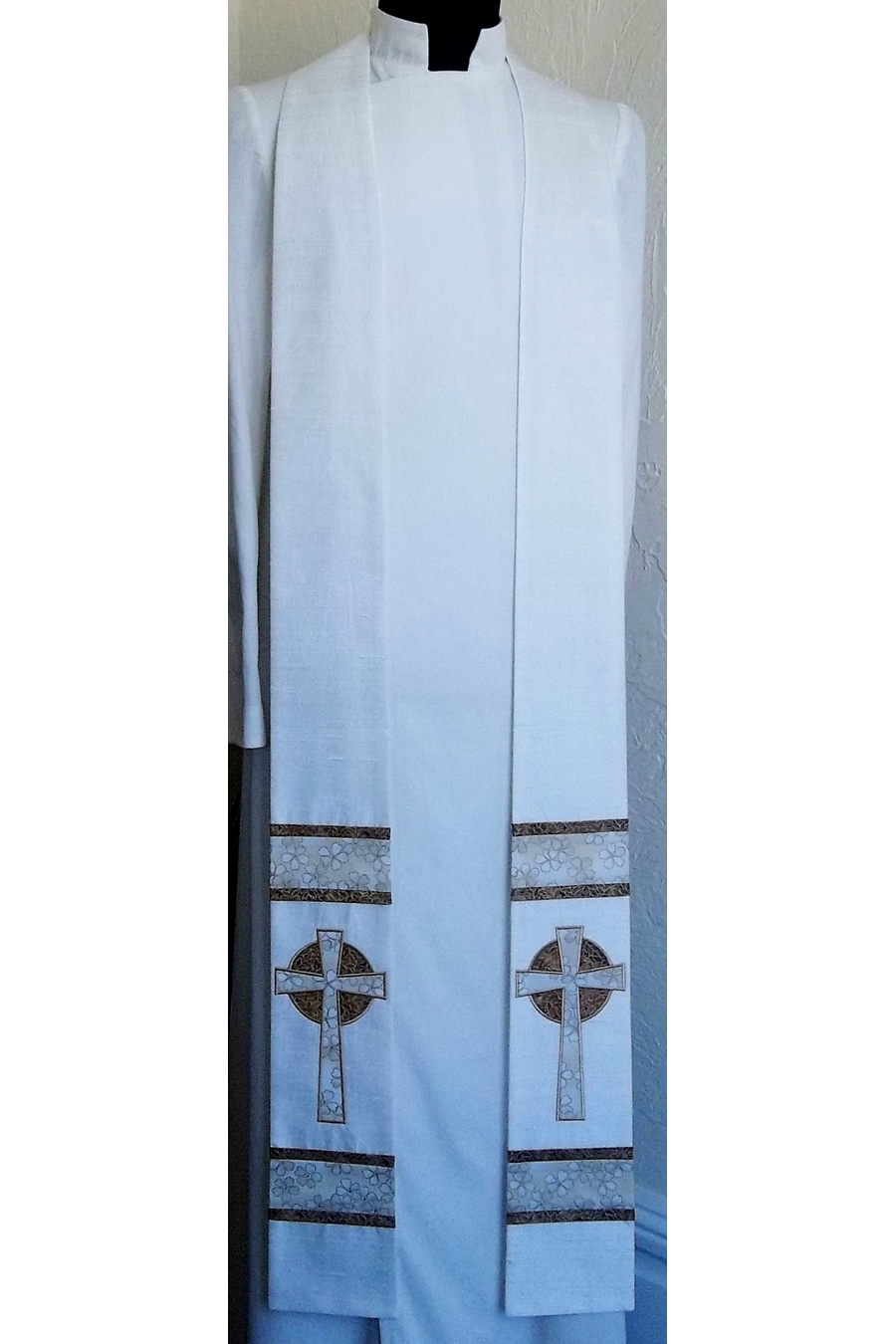 God's Eternal Love: White Clergy Stole with Celtic Cross Design